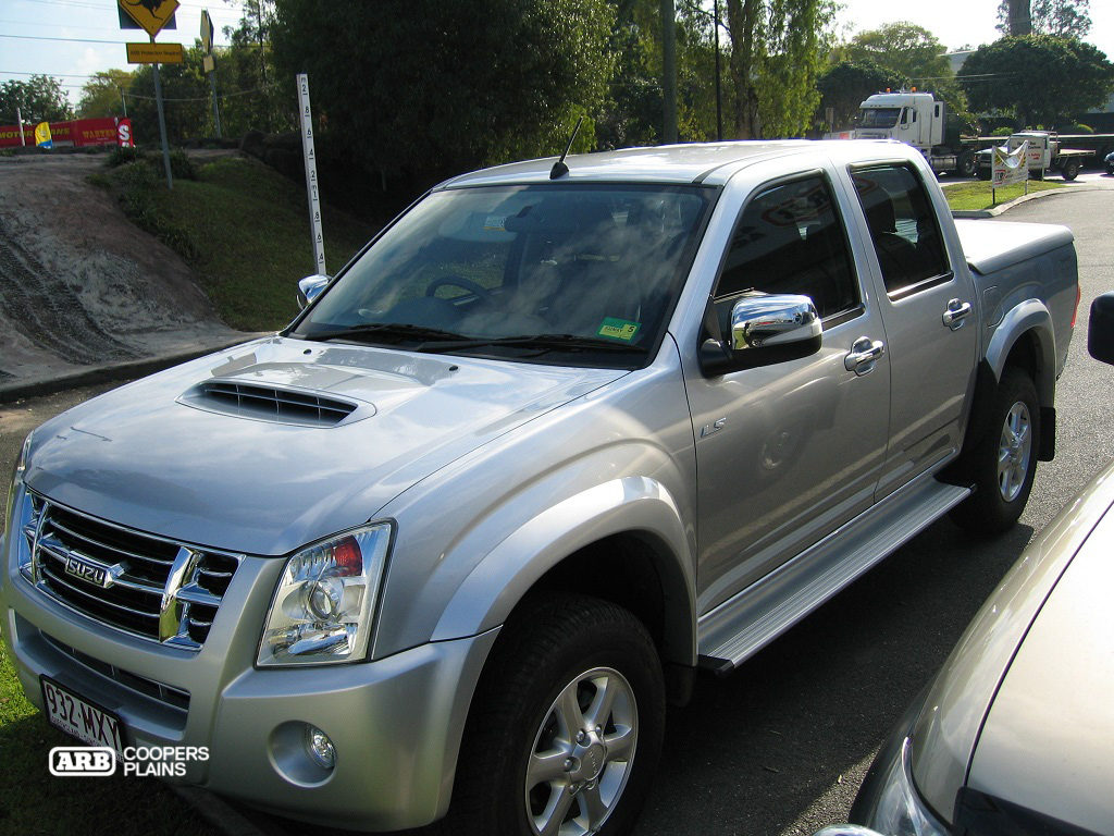 The Isuzu D-Max waiting for the ARB Coopers Plains touch